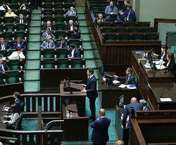 Opłata paliwowa podzieliła PiS. Dwójka posłów przeciw, a nawet za