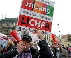 Protesty frankowców. W Warszawie złożono petycje w Pałacu Prezydenckim