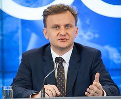 Morawiecki odchudza rząd. Czy wiceminister rodziny boi się utraty stanowiska?