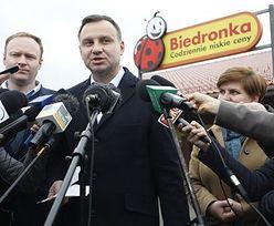 """Kaczyński """"zreformował"""" Biedronkę? Oto jak politycy flirtowali z siecią dyskontów"""