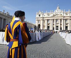 Watykan o gender: sprzeciw Benedykta XVI i milczenie Franciszka