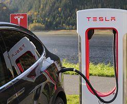 Tesla oskarżana o brak reakcji na rasizm. Do sądu trafił pozew zbiorowy