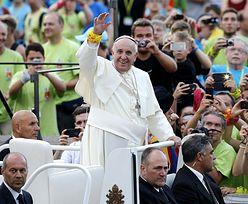 Franciszek do młodych: Nie traćcie czasu na internet i smartfony