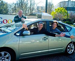 Samochód Google zabrał człowiekowi kierownicę