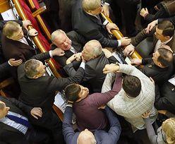 Opozycja na Ukrainie nie chciała przyjęcia budżetu. Bójka w parlamencie