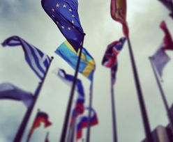 UE wzywa kolejne kraje do nałożenia sankcji na Rosję za zajęcie Krymu