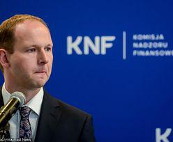 """""""Umrzesz za tydzień"""", """"rzucam klątwę"""". Szef KNF mówi, że pogróżki są na porządku dziennym"""