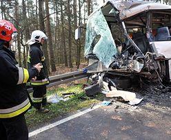 Wypadek autobusu w Grabowie. Bez zarzutu dla kierowcy