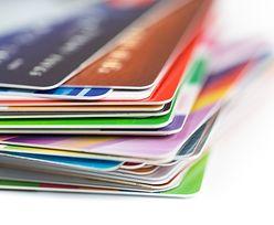 Karty kredytowe. Polacy coraz rzadziej z nich korzystają