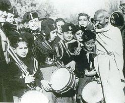 Aukcja listu Mahatmy Gandhiego. Sprezdany za 115 tys. funtów