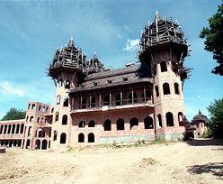 Zamek w Łapalicach to największa samowola budowlana w Polsce. Budowa trwa od 30 lat