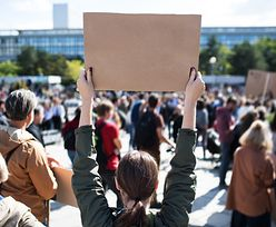"""Pracownicy żądają podwyżek. Zapowiadają strajki i protesty. """"Państwo sobie nie radzi"""""""