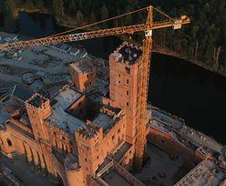 Zamek w Stobnicy wciąż rośnie. Imponująca wieża