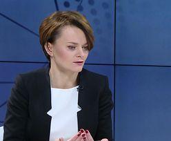 """Zakaz handlu w rządowych analizach. Minister Emilewicz: """"Będziemy weryfikować"""""""
