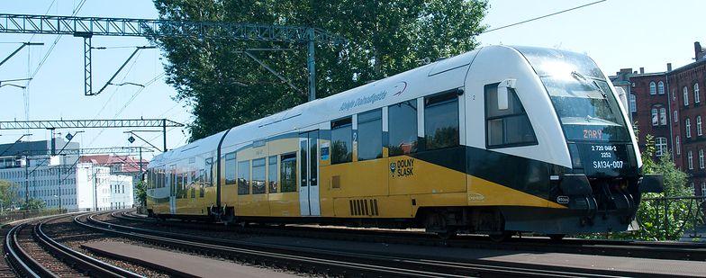 Kierowcy mogą za darmo przesiąść się z samochodów do pociągów.