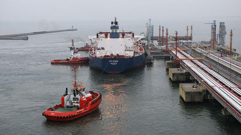 Tankowiec ze 130 tys tonami ropy z Nigerii dotarł do Gdańska