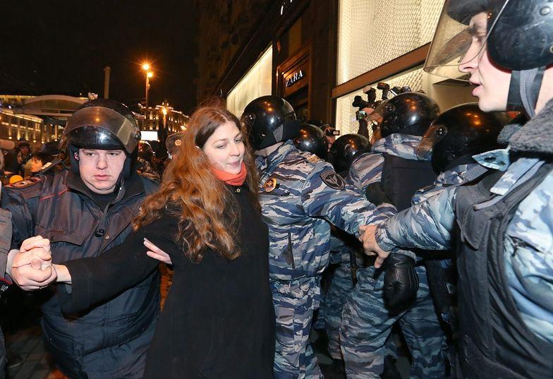 Opozycja w Rosji. Policja zatrzymała prawie pół tysiąca osób