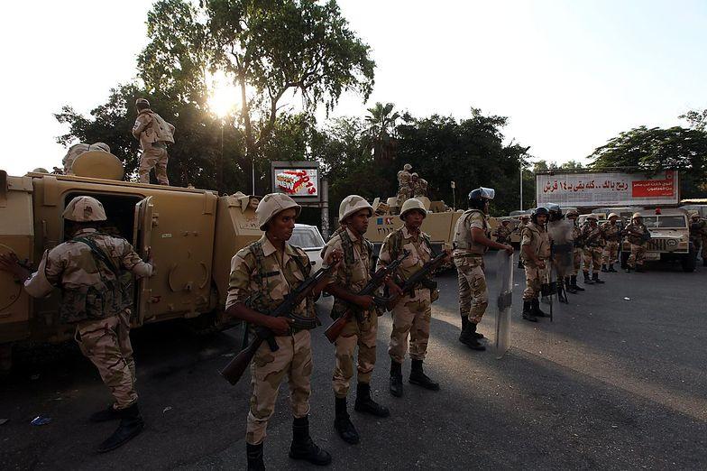 Przewrót w Egipcie. Armia szykuje się do ofensywy