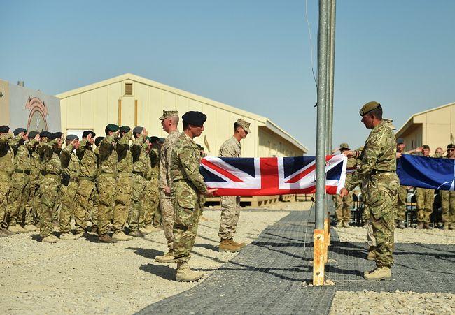 Afganistan: Amerykanie i Brytyjczycy opuszczają główne bazy