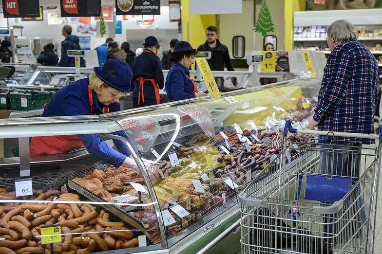 Na żywność wydajemy w sklepach coraz więcej.