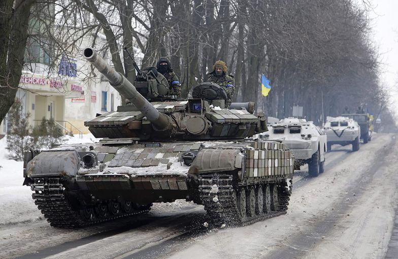 Na zdjęciu ochotnicy z ukraińskiego batalionu Azow <br>przed wyruszeniem na front