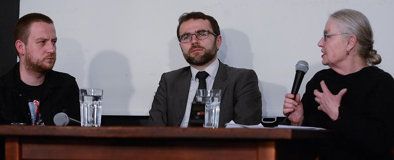 Dr Jacek Bartosiak (w środku)