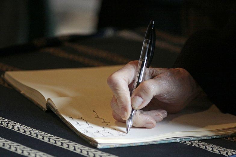 Po zmarłym współmałożonku można przejąć świadczenie, które otrzymuje się w formie renty rodzinnej
