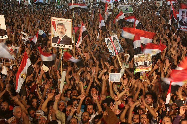 Egipt: Nieustępliwość armii może pogorszyć sytuację
