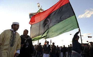 Libia: rebelianci sprzedają ropę na własną rękę