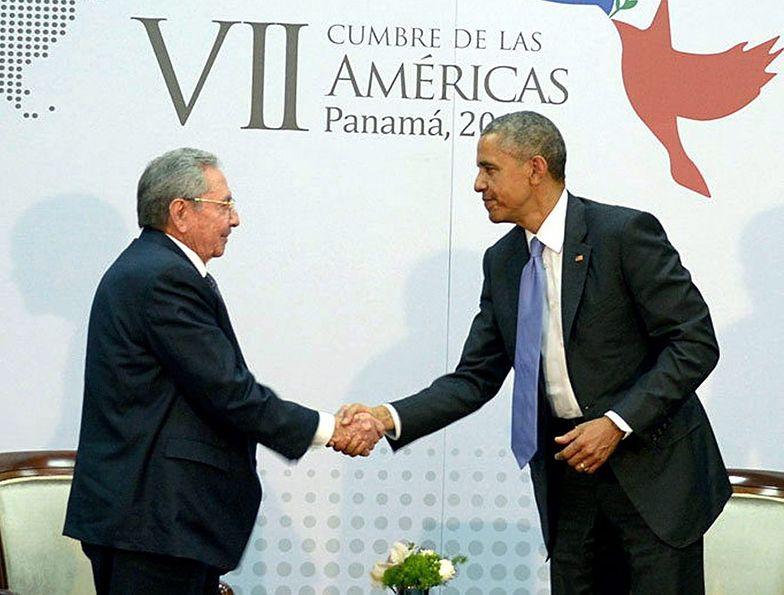 Przełomowa rozmowa Obamy z Castro