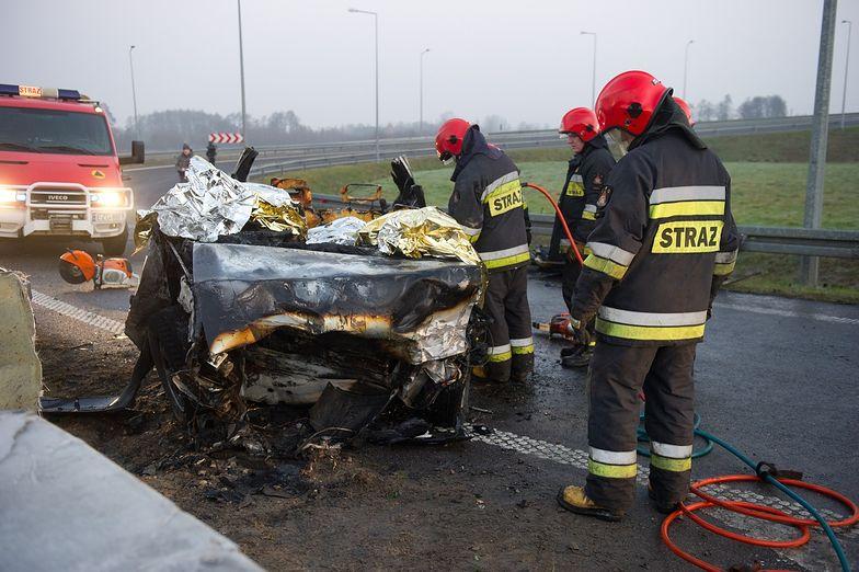 Wypadek na zjeździe z A2. Nie żyją trzy osoby