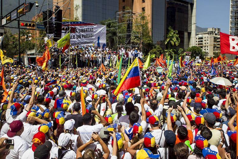Prezydent Wenezueli ogłosił kolejną podwyżkę płac. Ale wszystko zjada inflacja