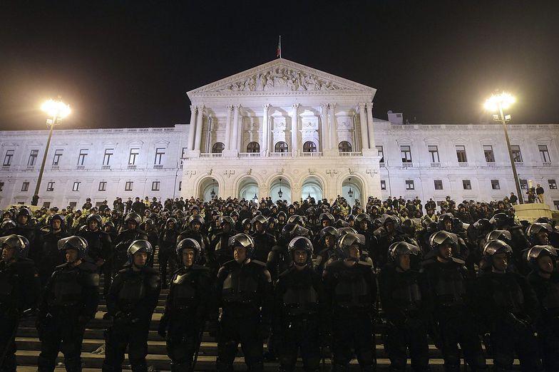 Portugalia: Policjanci szturmowali na parlament