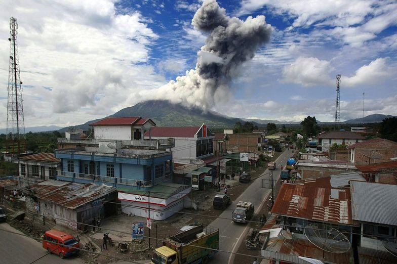 Wulkany w Indonezji. Sinabung grozi wybuchem, ewakuacja ludności