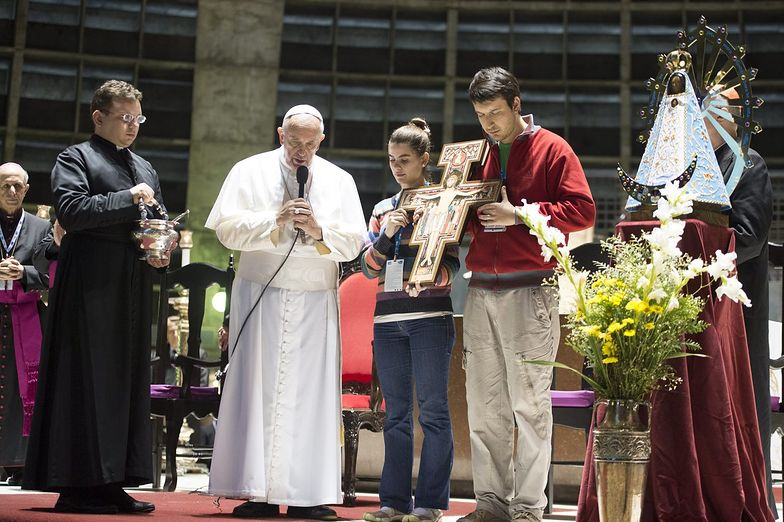 Franciszek w Brazylii. Rozmawia z młodzieżą, odwiedza osiedle biedoty