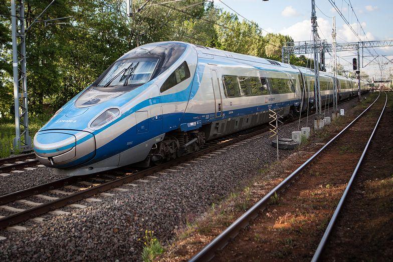 Podróżni być może wreszcie doczekają się internetu w najszybszych pociągach w kraju