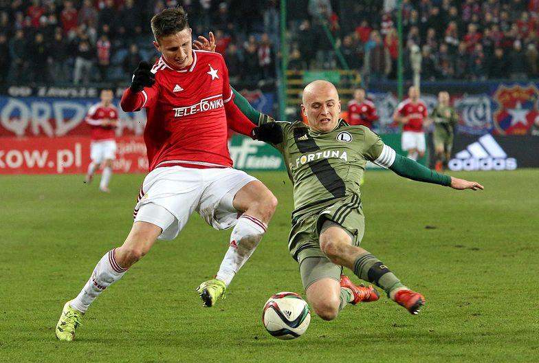 Piłkarze Ekstraklasy dobrze zarabiają może z dziesięć lat. A na emeryturę trzeba jakoś uzbierać