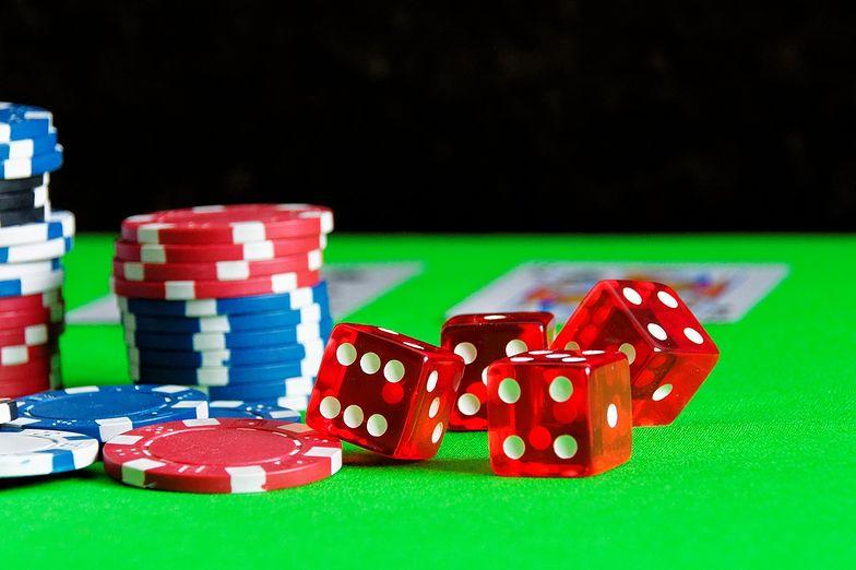 Określenie blue chips nawiązuje do pokera – pod tą nazwą kryją się najbardziej wartościowe spółki