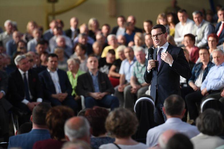 Nową daninę zapłacą nie tylko najbogatsi, jak obiecywał premier