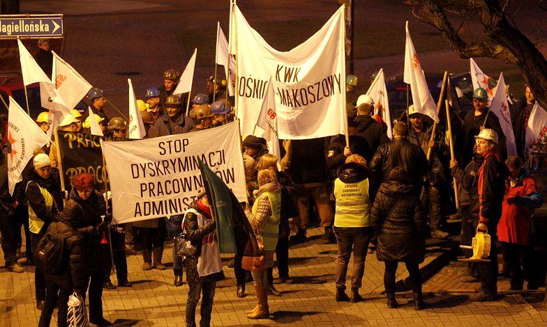 Związki nie zawiesiły pogotowia strajkowego. Chcą rozmów z Kopacz