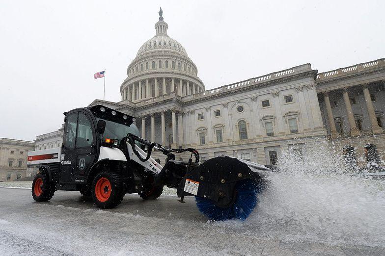 Zima w USA. Urzędy federalne pozamykane z powodu śniegu