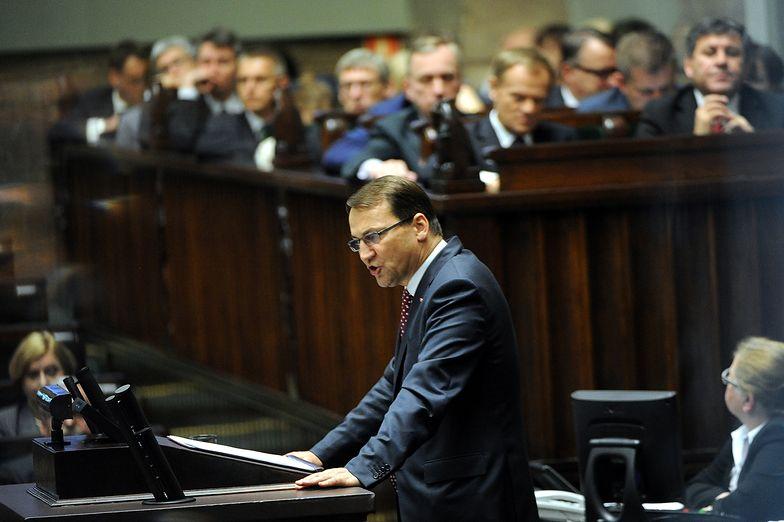 Sikorski: chcemy rozwijać stosunki z Rosją. Premier gani prezesa PiS