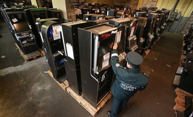 Do czerwca KAS zarekwirowała ponad 80 tys. automatów do gier. Teraz salony będzie organizował Totalizator Sportowy