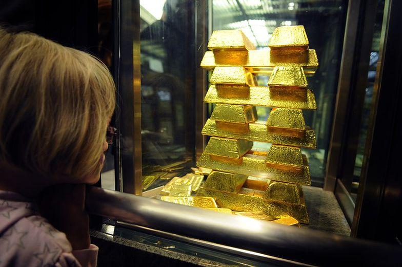 Chiny zwiększają rezerwy złota o połowę. Kruszec kupuje też Rosja
