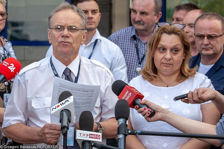 Adam Rzeszot, przewodniczący Związku Zawodowego Pilotów Komunikacyjnych oraz Monika Żelazik, szefowa Związku Zawodowego Personelu Pokładowego i Lotniczego