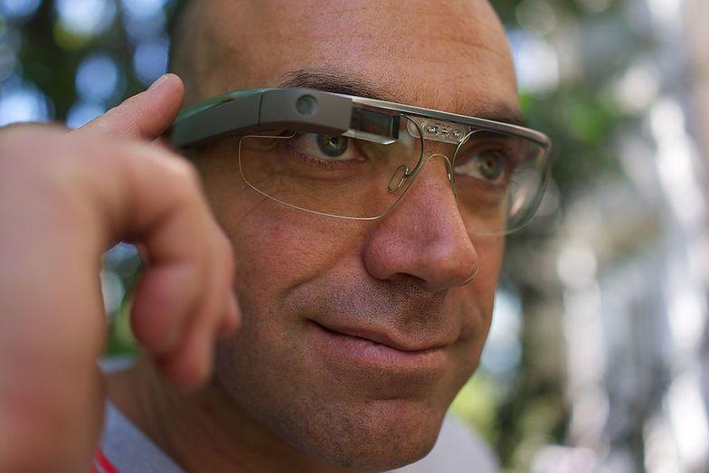 Google glass. Prezes zapowiada dalsze pracę
