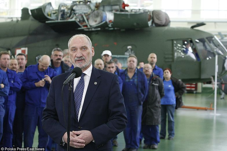 Śmigłowce dla polskiej armii. Macierewicz: dwie maszyny trafią do testów