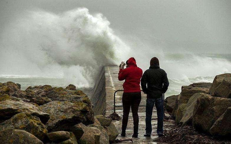 Irlandia i W.Brytania: powrót sztormowej pogody