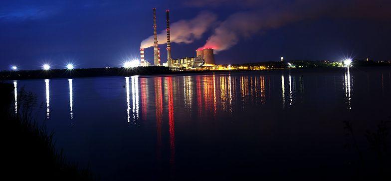 Polska energetyka płynie na spotkanie z unijną górą lodową. Fiasko polityki energetycznej rządu