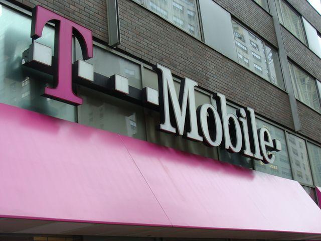 T-Mobile Polska przejmie T-Systems do końca sierpnia. Operator poszukuje nowych przychodów